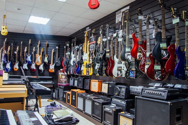 Где купить акустическую гитару или электрогитару в Астане?